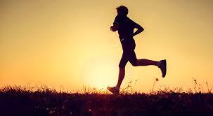 Atividades físicas vigorosas, ao invés de restringir calorias, parecem ser mais efetivas para manutenção do peso