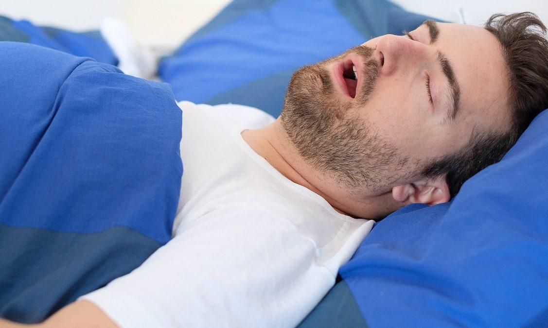Mais de 50% dos portadores de apneia do sono tem pressão alta