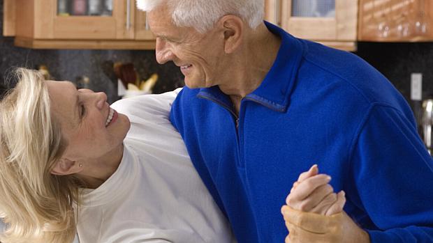 Conheça quais são os benefícios dos exercícios Pilates em idosos